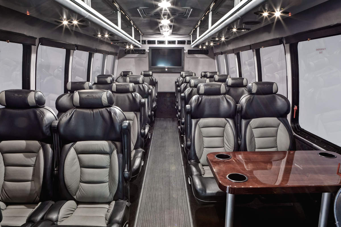 Luxury Limo Party Bus 22 Passenger Royal Excursion