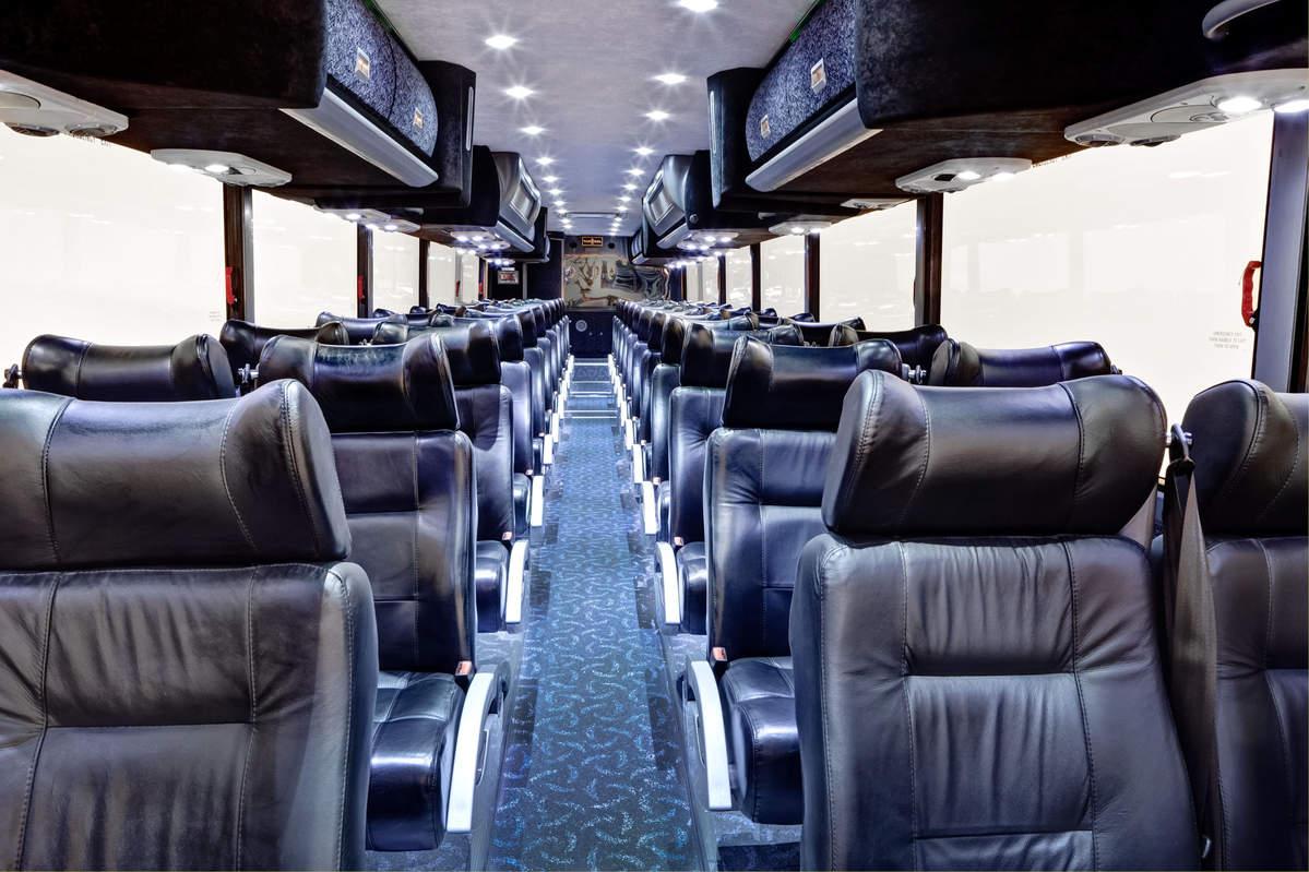 Luxury Quot Rockstar Quot Motorcoach 56 Passenger Bus Royal